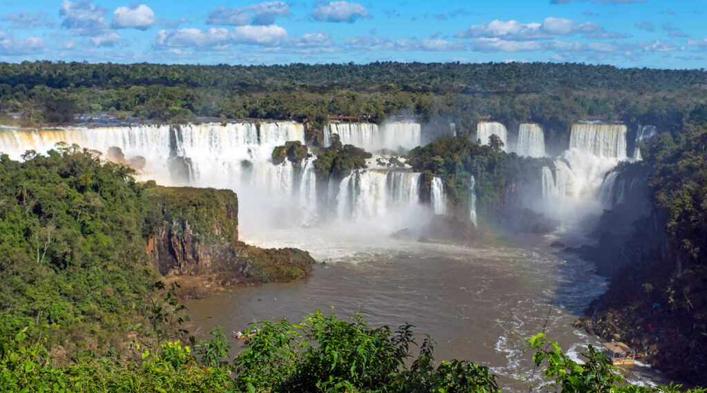 Double-stage water curtains at Iguazú Falls